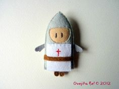 St George knight felt brooch  Red cross by ovejitabe on Etsy, €12.00