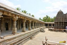 South Colonnade of the cloistered corridor at Keshava temple courtyard, Somanathapura, Mysore district, One of the finest of Hoysala style architectures, near #Mysore, #Karnataka, #India   #Somanathapura #Somnathpur #Somanathpur #Somanathapur #Architecture #incredibleindia #Travels #Temples #templesofindia #Trayaan #Historical #Monuments #MonumentsOfIndia #Hoysala #HoysalaTemples #HoysalaArchitecture