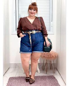A bermuda está on nesse verão! Dicas de como usar, looks arrasadores Short Jeans, All Jeans, Athleisure, Bermudas Fashion, Bermuda Jeans, Modelos Plus Size, Looks Plus Size, Moda Plus Size, Tips