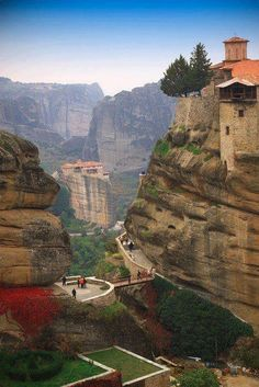 Monasteries at Meteora, Greece! Stayed in Kalambaka, Greece. One of my favorite places. Mykonos, Santorini, Places Around The World, Travel Around The World, The Places Youll Go, Places To See, Around The Worlds, Vacation Destinations, Dream Vacations