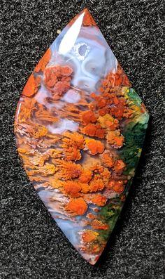 Cool Rocks, Beautiful Rocks, Natural Crystals, Stones And Crystals, Gem Stones, Minerals And Gemstones, Rocks And Minerals, Natural Curiosities, Crystal Magic