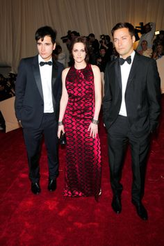 At the 2011 Costume Institute Gala honoring Alexander McQueen, she appeared with Proenza Schouler designers Lazaro Hernandez and Jack McCollough in a full-length scarlet gown of their design.
