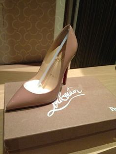 Louboutin Pigalle 100 patent calf nude sz 36