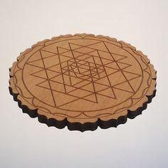 SRI YANTRA  wooden disc � 14 cm