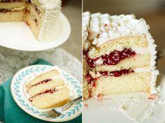 Strawberry Chic: Lemon Cake with Raspberry Filling
