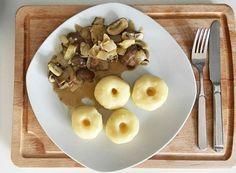 Schlesische Klöße: Einfaches Rezept für Kartoffelklöße Oatmeal, Gnocchi, Breakfast, Food, Christmas, Fried Onions, Fruit Yogurt, Quick Vegetarian Recipes, Potato Mashers