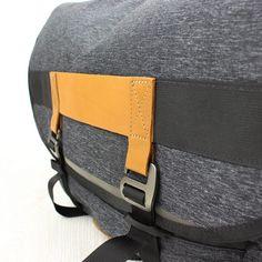 Levis-Commuter-Messenger-Bag-Regular-Grey-08-1000x1000.jpg (1000×1000)