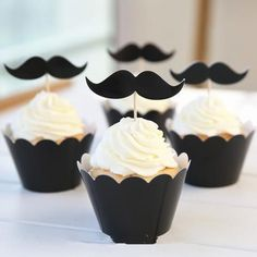 Cupcake Wrappers and Toppers - Black Mustache - Cake Deco / Cupcake Decoration / Packaging Sets) Moustache Cupcakes, Mustache Cake, Mustache Birthday, Moustache Party, Cupcakes For Men, Themed Cupcakes, Birthday Cupcakes, Party Cupcakes, Funny Cupcakes