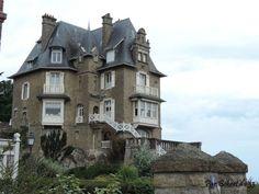 A little summer place at Saint Enoga, Dinard en Ille et Villaine, Dept 35, beside the sea anyone ?
