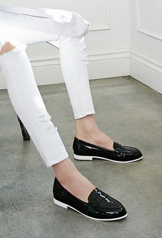 FOREVER21  Faux Patent Penny Loafers  Price: $27.90 Colors: Black/Blush/Black&White Classy and Polished Look Looking for something simple? Wear these pairs on a run to an meeting or an special event! Style them with blazers! Perfect >