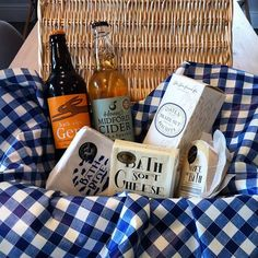Getting ready for the sunny day forecast on Kelston tomorrow - pick up one of our picnic hampers to take on a walk in the fields, we will fill it with your favourite #bathsoftcheese to enjoy in the sunshine! Just drop the hamper off on your way out. #wyfeofbath #bathsoftcheese #bathbluecheese #kelston #picnic #hamper #sunshine #artisanfood #bathales #foodporn #cheese #beer #cider