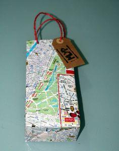 Muy buena idea para personalizar nuestras bolsas, ideal para el regalo de papá! Egyptian, Fathers Day, Diy, Handmade, Home Decor, Recycling, Wrapping, Toy Story Birthday, Bag Packaging