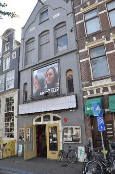 De Uitkijk! the oldest and one of the smallest movietheaters in Amsterdam!