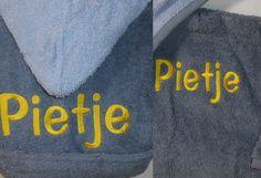 Badjasje grijs met Pietje voor en achterkant www.borduurkoning.nl/shop