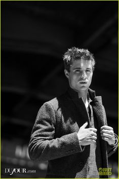 2014 Max Irons  | max irons dujour magazine feature august 2013 09