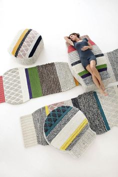The revolution in the world of rugs is called Mangas, designed by Patricia Urquiola. The original idea was inspired from the look of hand woven sweaters. The result is the most original and attractive rug collection presented in recent times, as well as conquering 3D design with the pouf collection.