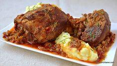Friptură înăbușită de porc cu usturoi și ceapă - la cuptor sau la oală sub presiune | Savori Urbane Romanian Food, Pork Recipes, Meatloaf, Carne, Beef, Cooking, Mariana, Blue Prints, Pork