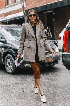 http://www.vogue.es/moda/streetstyle/galerias/street-style-new-york-fashion-week-febrero-2017/13385/image/1209561