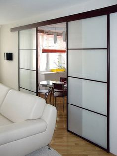 Usi despartitoare culisante Home Living Room, Living Room Decor, Room Additions, Pent House, Dog Houses, New Room, Patio, Sweet Home, House Design