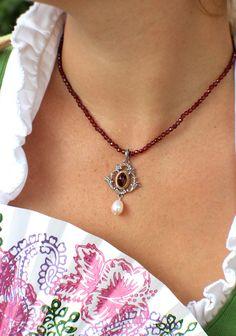 AHG Diana an Granatkette getragen Diana, Jewelry, Fashion, Accessories, Silk Shawl, Traditional, Rhinestones, Silver, Nice Asses