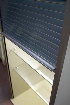 Snaidero rolluik kast in staalkleur. Kastdiepte 45 cm en 60 of 90 breed max 128 hoog