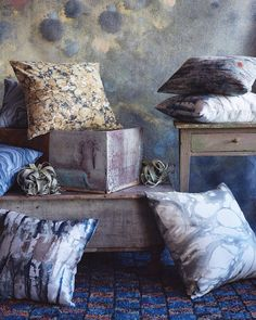 """#martynthompsonstudio """"Blotch"""" (backdrop) and """"Drippy"""" (top right pillow) jacquard cottons make an appearance in @departuresmag latest issue, where they round up their edit of new fabrics. #jacquard #cotton photo @martyn_thompson styling @cnrbrk 