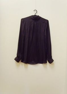 Kup mój przedmiot na #vintedpl http://www.vinted.pl/damska-odziez/bluzki-z-dlugimi-rekawami/17793371-wymiana-70-zl-zara-bluzka-elegancka-ze-stojka-grafitowa-masa-perlowa-34-xs