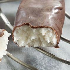 Rezept aus VEGAN FOR FIT: Kokos-Schoko-Riegel-amicella