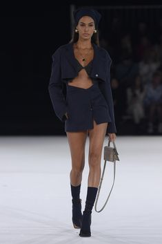 See all the looks from the show Look Fashion, 90s Fashion, Couture Fashion, Runway Fashion, Fashion Models, Fashion Show, Fashion Design, Fashion 2020, High Fashion Outfits