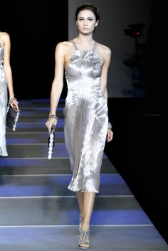 Giorgio Armani Spring 2012 Ready-to-Wear - Collection - Gallery - Style.com