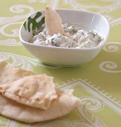 Tzatziki - Ôdélices : Recettes de cuisine faciles et originales ! Tzatziki, Pesto, Icing, Dips, Appetizers, Appetizer Ideas, Oatmeal, Pudding, Breakfast