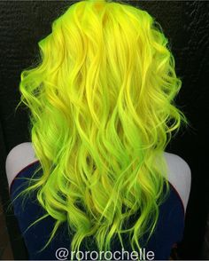 Neon yellow hair and neon green hair color by Rochelle Fairfield Lime green hair color Instagram.com/hotonbeauty