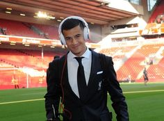 Phillipe Coutinho arrives at Anfield ahead of #LiverpoolFC's match against AFC Bournemouth #LFC