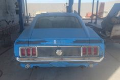 Do you fancy a Mustang Mach 1 428 Cobra Jet in Grabber Blue? In this case, you could take your pick or take the pair that the owner has on offer! #Ford, #Mach1, #Mustang