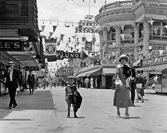 Long Beach Pike 1938