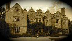 Benthall Hall, Broseley Snowdonia, National Trust, Wonderful Places, Explore, Building, Travel, Halloween Stuff, Buildings, Viajes