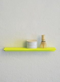 Kolor Z-SHELF I Wall shelf neon yellow powder coated