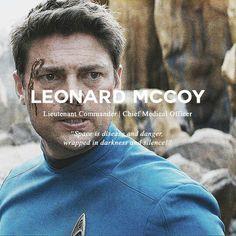 star trek and leonard mccoy Bild Star Trek 2009, New Star Trek, Star Trek Tos, Star Wars, Leonard Mccoy, Star Trek Reboot, Watch Star Trek, Star Trek Characters, Star Trek Original Series