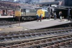 D7515 (Later 25165) and an unidentified Class 40 at Preston Station in 1968.