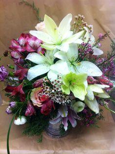 #wedding #lilies #winter #glamorous Lilies, Wedding Bouquets, Flower Arrangements, Floral Wreath, Glamour, Wreaths, Winter, Flowers, Plants