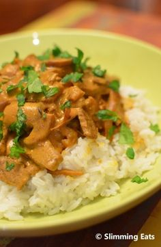 Beef Stroganoff    Slimming Eats Recipe    Serves 3    Original – syn free per serving    Extra Easy – syn free per serving    * there is only 0.5 syns for the entire recipe, so pretty much syn free per serving