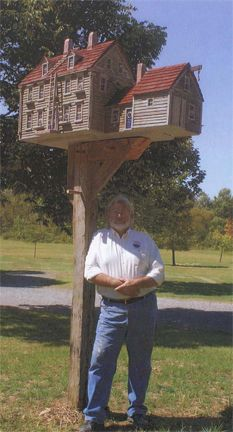 These Amazing birdhouse are miniature replicas of actual structures