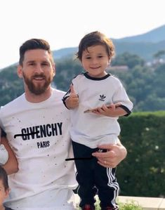 God Of Football, Football Icon, Football Players, Messi Fans, Messi 10, Messi And Wife, Movie Fast And Furious, Lionel Messi Wallpapers, Argentina National Team