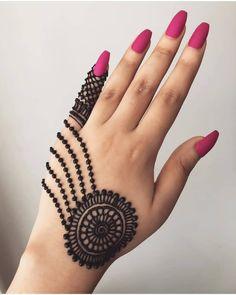 Mehndi is something that every girl want. Arabic mehndi design is another beautiful mehndi design. We will show Arabic Mehndi Designs. Henna Hand Designs, Eid Mehndi Designs, Rajasthani Mehndi Designs, Mehndi Designs Finger, Henna Tattoo Designs Simple, Simple Arabic Mehndi Designs, Mehndi Designs For Beginners, Mehndi Designs For Girls, Wedding Mehndi Designs