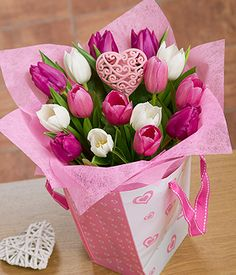 Mum's Tulip Gift Bag - A pretty ready-to-display heart bag featuring gorgeous Tulips in purple, white and pink shades.  #bouquet #flowers #mothersday