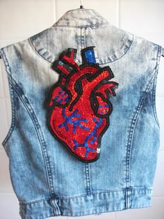 Anatomical Heart Patch Hand Embroidered Art For DIY Jackets Clothing Customisation Hipster Fashion, Grunge Fashion, Diy Fashion, Painted Denim Jacket, Sequin Appliques, Anatomical Heart, Textiles, Embroidery Patches, Pin And Patches