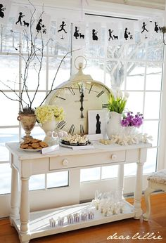 Dear Lillie: Jamie's Nursery Rhyme Themed Baby Shower Part could make a cute New Years buffet table Nursery Rhyme Party, Nursery Rhymes, Nursery Ideas, Baby Shower Printables, Baby Shower Themes, Shower Ideas, Baby Theme, Japanese Minimalist, Dear Lillie