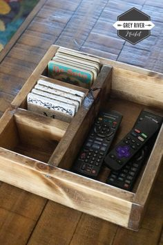 Large Remote Control Storage Box / Large Coaster Box / Remote Control Organizer / Box for Coasters / Coaster Storage Box x x Diy Pallet Projects, Diy Craft Projects, Woodworking Projects, Rockler Woodworking, Remote Control Organizer, Remote Control Holder, Porch Bar, Organizer Box, Camper Makeover