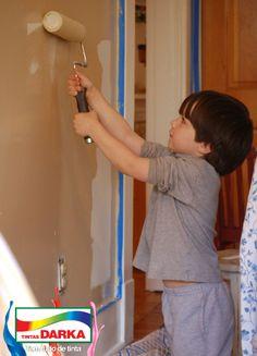 Convoque as crianças para ajudar na nova pintura da casa e começar o ano com a casa renovada.