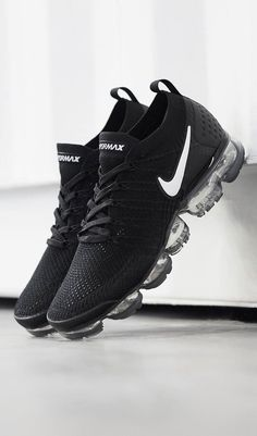 The Best Men's Shoes And Footwear : Nike Air Vapormax Flykni.- The Best Men's Shoes And Footwear : Nike Air Vapormax Flyknit – Fashion Inspire Sneakers N Stuff, Sneakers Mode, Sneakers Fashion, Shoes Sneakers, Sneakers Design, Sneakers Style, Sneakers Adidas, Women's Sneakers, Leather Sneakers